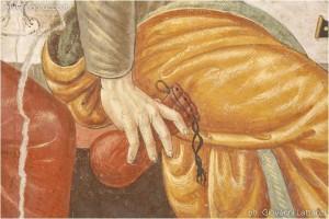 Ocre, monastero di Sant'Angelo, refettorio, affresco dell'Ultima Cena, dettaglio, la mano di Giuda con il sacchetto dei 30 denari