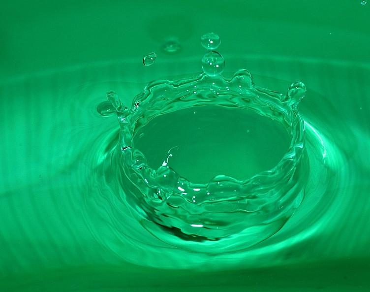 13 buco nell'acqua