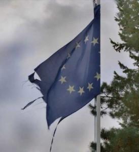 bandiera-ue-a-pezzi