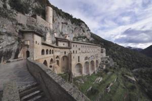 monastero-1-696x464
