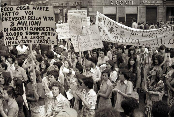 2 - cartello femministe n aborti clandestini